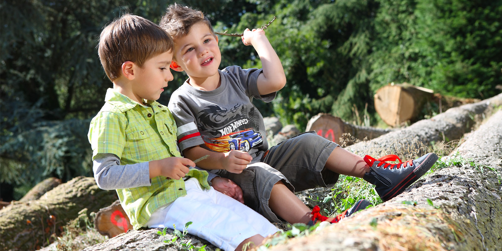 enfants en plein air