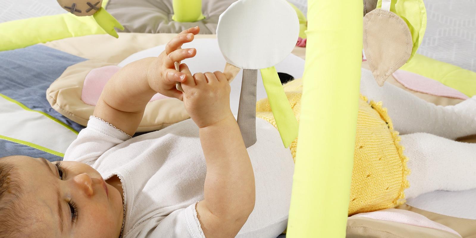 Comment encourager le développement de la motricité fine chez Bébé ?
