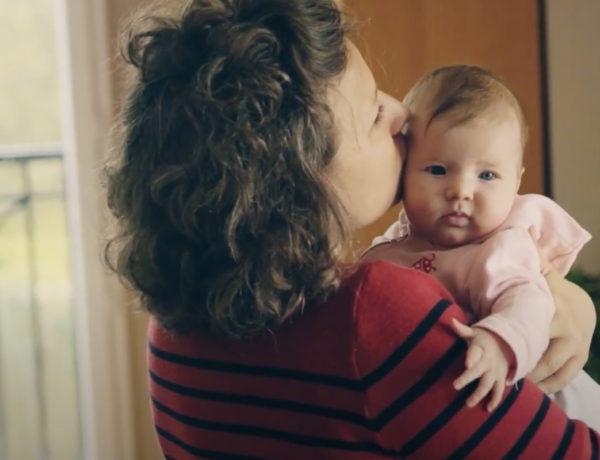 Série vidéos Dis-moi avec Wesco, comment décrypter les signaux de bébé ?
